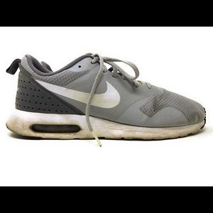 Nike Air Max Tavas Men's Size 10 Wolf Grey/White